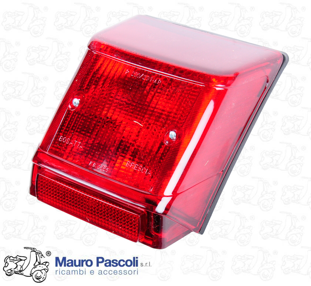 COMPLETE REAR LIGHT WITH CATADIOTTRO.